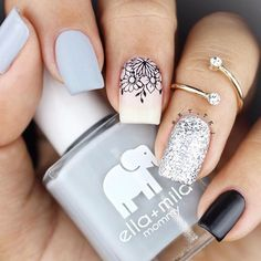 #closeup •frenchy collection - 12 stamping plate @moyou_london •stamper: 3 in 1 super clear rectangular stamper @moyou_london •black stamping polish @moyou_london •colors by @ellamila -on thin ice- -lights out- -grey skies-