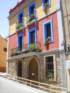 Ateneu Santcugatenc, Sant Cugat http://www.ateneu.cat/