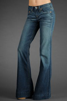 Love me some wide leg jeans