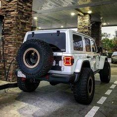 Save by Hermie - Jeeps Old Jeep, Jeep Jl, Jeep Cars, Jeep Truck, Jeep Wrangler Girl, Jeep Wrangler Rubicon, Jeep Wrangler Unlimited, Lifted Ford Trucks, Gmc Trucks