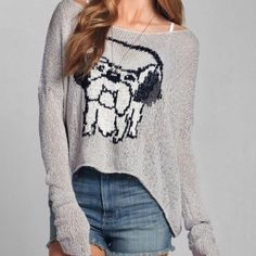 Abercrombie & Fitch Cropped sweater(size med)NWOT Adorable sweater! Brand new without tags. Never worn or washed Abercrombie & Fitch Sweaters Crew & Scoop Necks