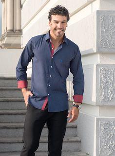 a0b773086d2f9 Camisa casual Manchester slim fit azul con estampado en puntos y contraste  en rojo para dar