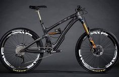 Yeti carbon Mountain biking MTB Bike 👍 👌 🔥 na Mountain Biking, Mountain Bike Brands, Mountain Bicycle, Bike Downhill, Mt Bike, Bicycle Race, Bike Rides, Road Bike, Montain Bike