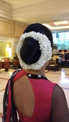 Bridal Hair Buns, Bridal Hairstyle, Low Buns, Beautiful Buns, Bun Hairstyles, Blouse Designs, Braid, Long Hair, Winter Hats