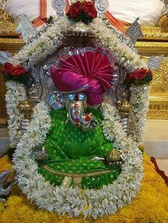 Jai Ganesh, Shree Ganesh, Lord Ganesha, Ganpati Decoration At Home, Ganpati Festival, Pooja Room Door Design, Shri Hanuman, Ganpati Bappa, Pooja Rooms