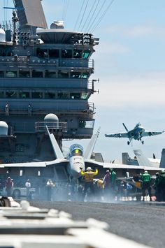 US Navy flight deck...awesome!