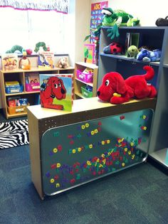 Attach a large metal drip pan to the back of a bookshelf to make a word-work center. Attach a large metal drip pan to the back of a bookshelf to make a word-work center. Classroom Setting, Classroom Design, Future Classroom, Classroom Ideas, Preschool Classroom Setup, Preschool Library Center, Year 1 Classroom Layout, Toddler Classroom Decorations, Daycare Decorations
