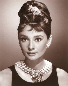 Audrey Hepburn: Mostra no Brasil em 2010   Cinema é Magia