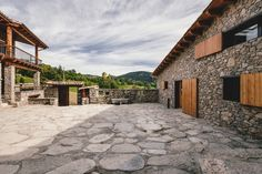 This historic rehabilitation project was undertaken by Dom Arquitectura in a small village in La Cerdanya, Spain, offering breathtaking views to the south. Exterior Design, Interior And Exterior, Interior Architecture, Rural House, Farm House, Deco Originale, Farmhouse Remodel, Farmhouse Renovation, Farmhouse Interior