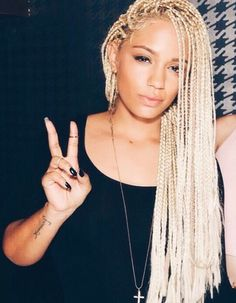 40 Stunning Poetic Justice Braids You Can Wear Year Round Poetic justice braids come in various shapes and sizes. There are many ways to style these box braids. Check out our list of 40 stunning Poetic Justice Braids! Afro Braids, Twist Braids, Twists, Hair Inspo, Hair Inspiration, Short Hair Dont Care, Poetic Justice Braids, Poetic Braids, Curly Hair Styles