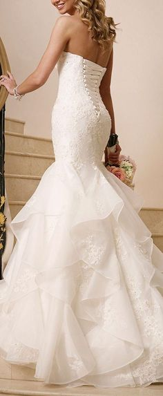 Sweetheart Ruffle Wedding Dress / http://www.himisspuff.com/mermaid-wedding-dresses/4/
