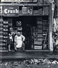 Grocer at his store. Old Pictures, Old Photos, Robert Frank, The Time Is Now, Working People, Family Memories, Tango, Vintage Shops, Black And White