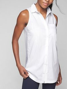 The long and lean classic button-up in a new sleeveless silhouette that's perfect for work or weekend with just-right stretch.
