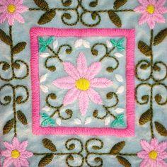 Esta noche les mando el tutorial que prometí! Tres puntos básicos del bordado mexicano. Si recién estás empezando, te va a venir genial.   Para poder verlo tenés que estar suscripta de forma gratuita al newsletter de www.mercadodehaciendo.com    #video #bordadomexicano #puntosbasicos #embroidery #bordado #tutorial #gratis