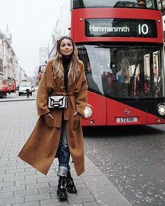 Julie Sariñana in London