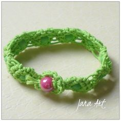 This is a cute bracelet made a couple of years ago. Not available.  Check my blog for more jewels!  janaart.altervista.org