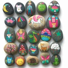 It is possible for Monday to be magical! This is a magical,fantasy assortment of great story stones! Garden art Easy Paint Rock For Try at Home (Stone Art & Rock Painting Ideas) Pebble Painting, Pebble Art, Stone Painting, Diy Painting, Painting Tutorials, Stone Crafts, Rock Crafts, Arts And Crafts, Paper Crafts