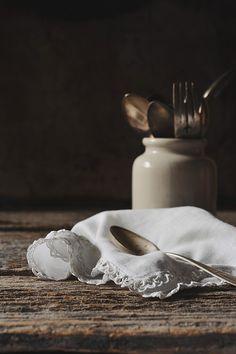 Pretty image, love the lace edged napkin~❥
