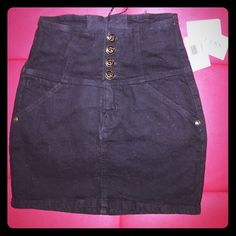 Black high waisted Guess skirt ⬛️ New with tags! Black high waisted Guess skirt. Size 27. Black and gold buttons and supper in front. super cute for spring and summer! Guess Skirts Mini
