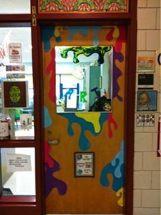 Oh, if only our school system would let us do something like this. I'm totally doing this on the doors inside my room, though!