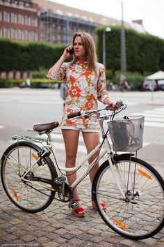great example of how to make a very vintage piece look fun and modern. stockholm street style.