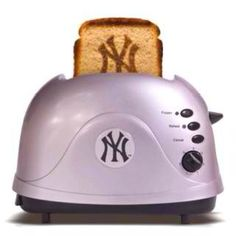 I need to get this Yankees toaster.
