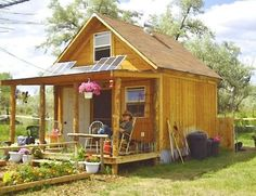 Want to ditch your high housing costs? You can live mortgage free and off the grid if you build this tiny solar-powered cabin.: This Tiny House is a Self-Sufficient Solar Powered Cabin Off Grid Cabin, Off Grid Tiny House, Off The Grid, Cabins In The Woods, Little Houses, Tiny Houses, Guest Houses, Tiny Living, Living Area