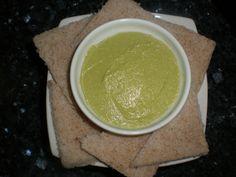 Paté de aguacate con ajo encurtido Este Paté. Es ideal para comer de picoteo. Así como de acompañamiento de otros...