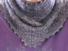 Frost Flowers Lace Cowl | Craftsy