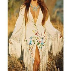 Raquel Welch: Boho-Chic in the Hippie Style, Mode Hippie, Bohemian Mode, Boho Gypsy, Hippie Man, Hippie Boho, Bohemian Style, Gypsy Style, Bohemian Fashion