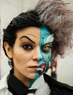 Genderbent Two Face. So amazing! - 11 Two Face Cosplays