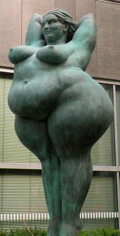 A statue in Berlin - This is magnificent! I love her pose & the proud set of her jaw.