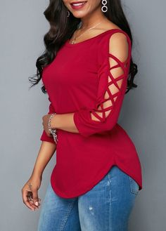 Stylish Tops For Girls, Trendy Tops, Trendy Fashion Tops, Trendy Tops For Women Stylish Tops For Girls, Trendy Tops For Women, Blouses For Women, Casual Skirt Outfits, Mode Outfits, Fashion Outfits, Blouse Styles, Blouse Designs, Red Blouses