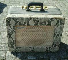 Biete einen Framus Gitarrenverstärker in Schlangenlederoptik gegen Höchstgebot!<br />Ich schätze,...,Gitarrenverstärker Framus Sammlerstück in Baden-Württemberg - Denzlingen