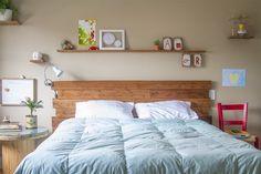 shelf above bed. Home Bedroom, Bedroom Decor, My Room, Decoration, Architecture Design, Sweet Home, New Homes, Interior Design, Furniture