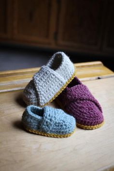 Crochet Pattern Little Wrap Slippers newborn to by Mamachee