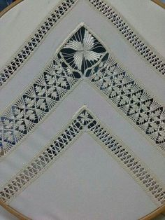 Embroidery Designs, Types Of Embroidery, Learn Embroidery, Japanese Embroidery, Hand Embroidery Stitches, Embroidery Techniques, Cross Stitch Embroidery, Cross Stitches, Bordado Popular