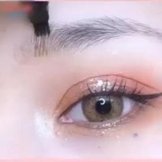 ✨This 4 point eyebrown pen can help you create flawless and natural looking eyebrows. ❤Natural Looking❤Easy to apply❤Waterproof Eye Makeup Designs, Eye Makeup Art, Eye Art, Eyebrow Makeup, Makeup Eyes, Beauty Makeup, Eyeliner For Hooded Eyes, Hooded Eye Makeup, Backstage Make Up