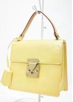 Louis Vuitton Vernis Spring Street Handbag Hobo Bag. Hobo bags are hot this  season! 8ac97f93a39c0