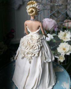 Cake Pop Decorating, Creative Cake Decorating, Cake Decorating Tutorials, Barbie Torte, Barbie Cake, Beautiful Birthday Cakes, Gorgeous Cakes, Dolly Varden Cake, Wedding Dress Cake