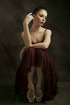 Ballerina Natalia Osipova - Royal Ballet - Photo by Marta Kochanek Ballet Body, Ballet Art, Ballet Dancers, Ballerinas, Ballet Style, Ballet Images, Ballet Photos, Boris Vallejo, Royal Ballet