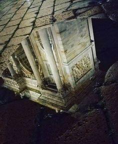Riflessi importanti... Dall'Arco della Pace lo scatto di Igor  Boiko  #milanodavedere Milano da Vedere