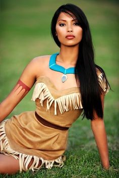 Funny pictures about Real Life Pocahontas. Oh, and cool pics about Real Life Pocahontas. Also, Real Life Pocahontas photos. Disney Cosplay, Pocahontas Cosplay, Pocahontas Disney, Princess Pocahontas, Pocahontas Outfit, Disney Costumes, Pocahontas Makeup, Disney Princess Costumes, Costume Ideas