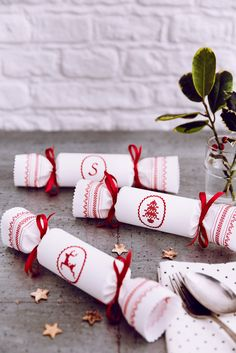 Country Living Magazine 2015 Christmas Fairs - crackers shot
