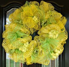 Deco Mesh Wreath with Oasis Mesh in a Sunshiny yellow color scheme!
