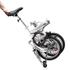 Bicicletas Dobladas, para ahorrar espacio :O