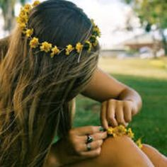 """be sure to wear some flowers in your hair"" oh hey scott mckenzie said it right"