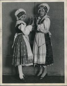 1929 Press Photo Slovenian Women in Traditional Costume / Dress