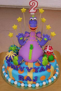 Dibo The Gift Dragon by sweetobsessions, via Flickr Dragon Birthday Parties, Birthday Cakes, Pretty Cakes, Beautiful Cakes, Fondant Cakes, Cupcake Cakes, Dragon Cookies, Tall Wedding Cakes, Different Cakes