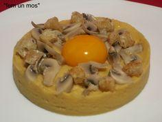 Cremós de cigrons amb rovell d'ou i bolets